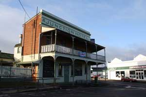 Junction Hotel at Canowindra